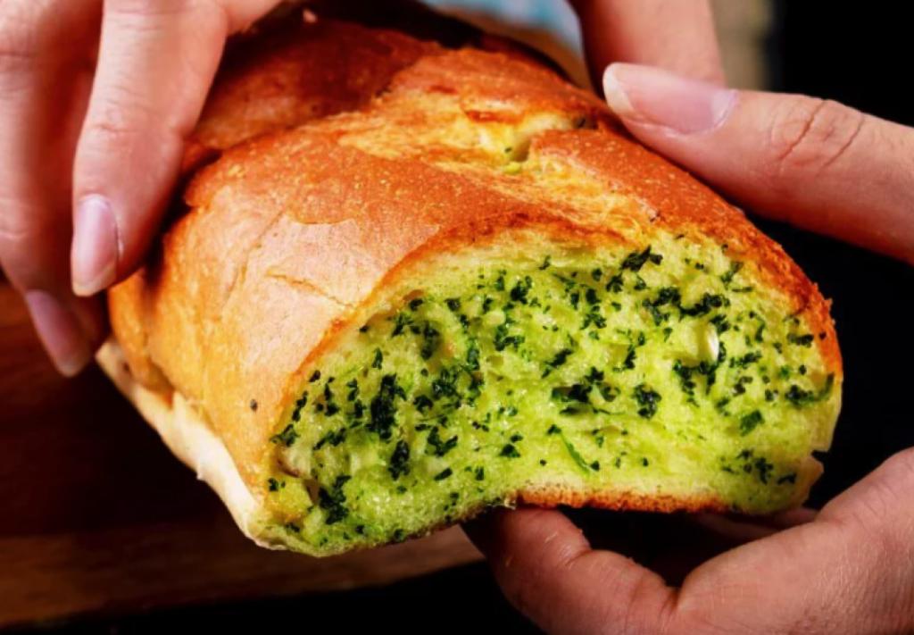 查理布朗烘培 - 湯普斯大蒜麵包